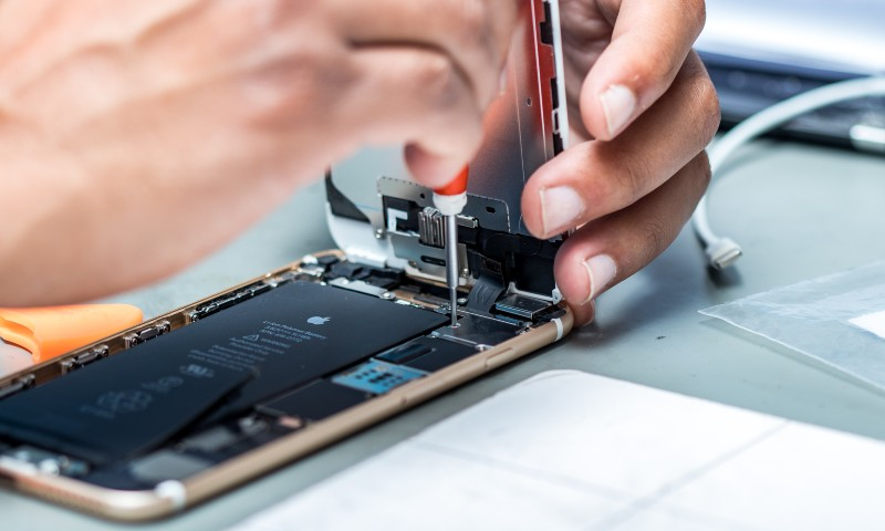 mobile phone repair service